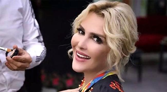 Selin Ciğerci'den cinsel organını gösteren takipçisine tepki