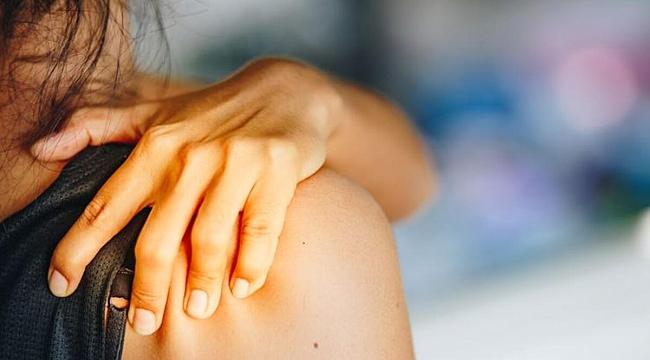 Omuz ağrıları neden olur? Omuz ağrıları nasıl geçer? Omuz ağrısı tedavi yöntemleri neler?