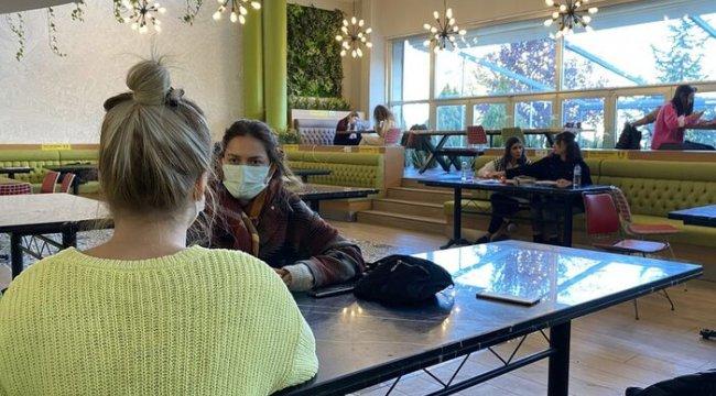 Yüz yüze eğitime devam eden iki üniversitenin öğrencileri kaygılı